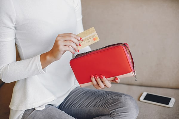 Using Credit Cards To Help Recover From Bad Debt
