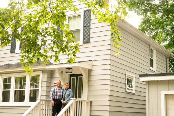 Reverse Mortgage Couple